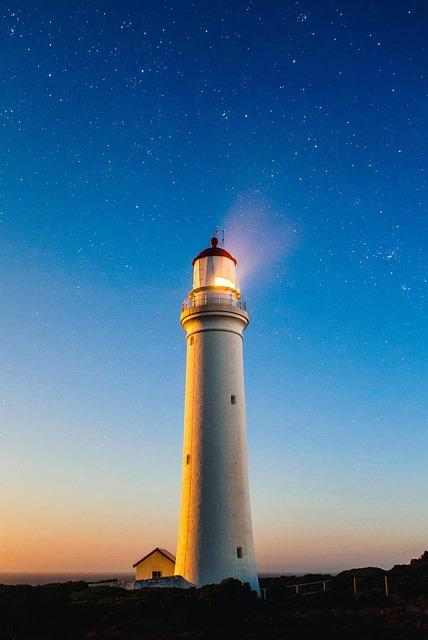 lighthouse-980457_640