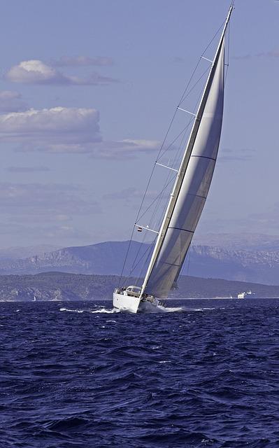 sailing-929291_640