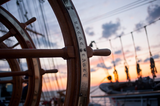 ship-helm-759954_640