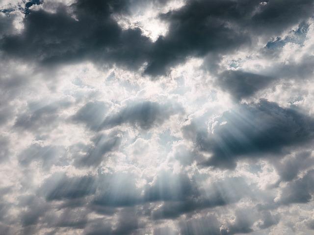 sun-rays-1081979_640